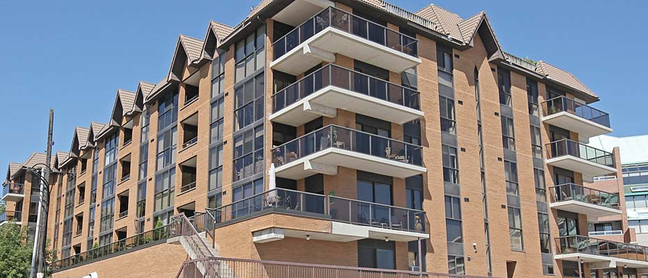 102 Bronte Road, Oakville - Pier 12 condominiums for sale and rent in Bronte Village.