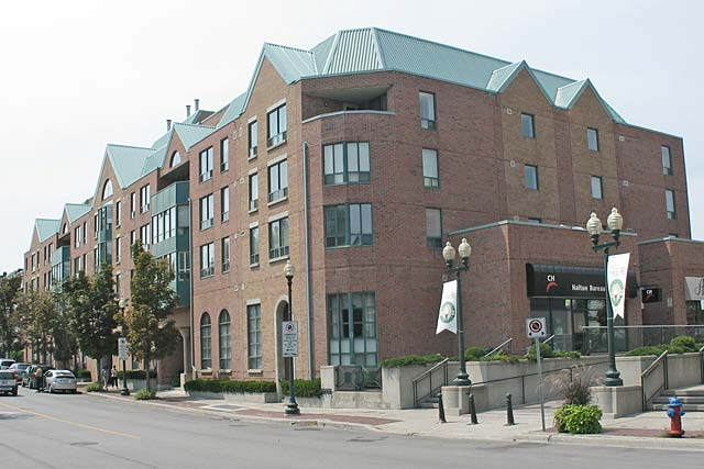 185 Robinson Street, Oakville - Ashbury Square in the heart of downtown Oakville.