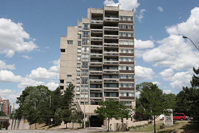 20 Speers Road, Oakville - Oak Hill condos located in central Oakville.