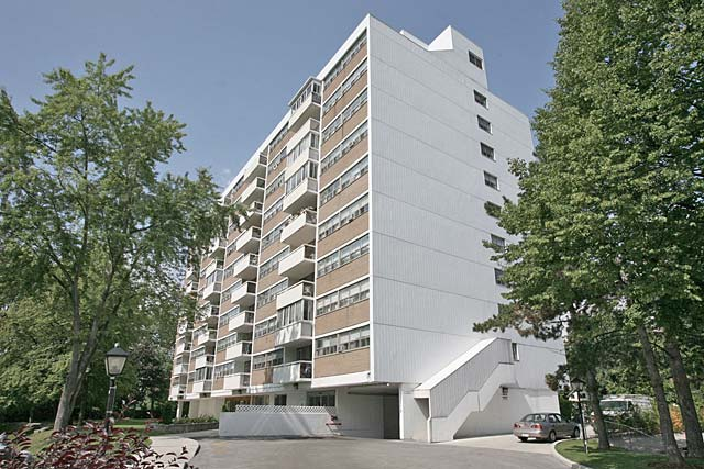 212 Kerr Street, Ontario - Arbour Glen condominiums just a short walk from Downtown Oakville.
