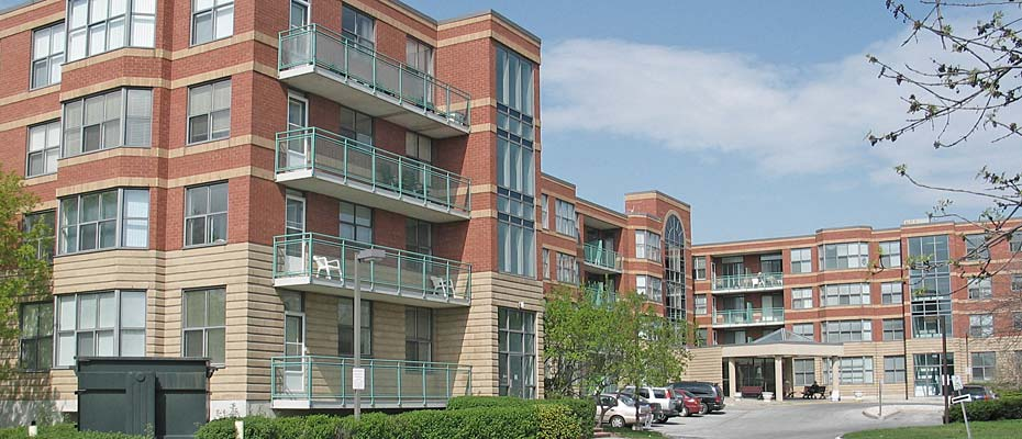 2199 Sixth Line, Oakville - The Oaks adult lifestyle condominium  in River Oaks.