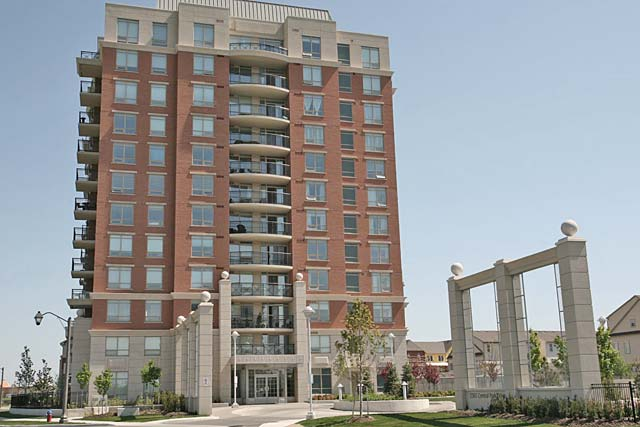 2325-2365 Central Park Drive, Oakville - One Oak Park condominiums in River Oaks.